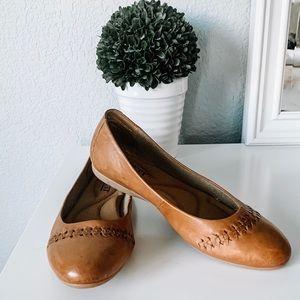 Born Madeleine Ballet Flats